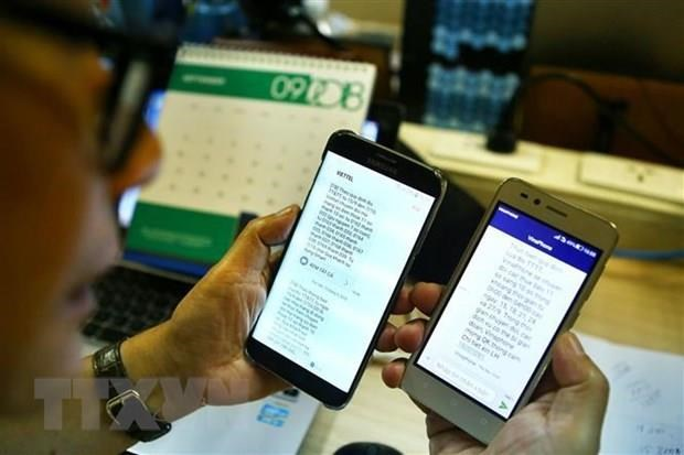 Nearly 107,000 mobile subscribers switch networks in July hinh anh 1