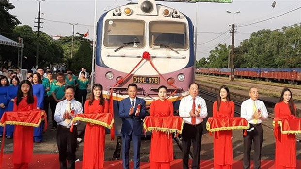 North-South express freight train service launched hinh anh 1