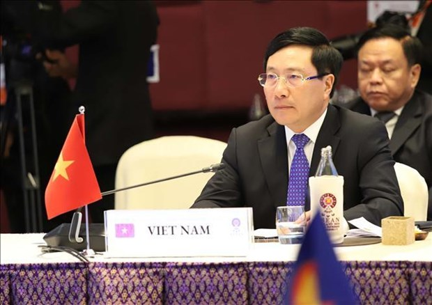 Vietnam vows to work for expanded ties between ASEAN and partners hinh anh 1