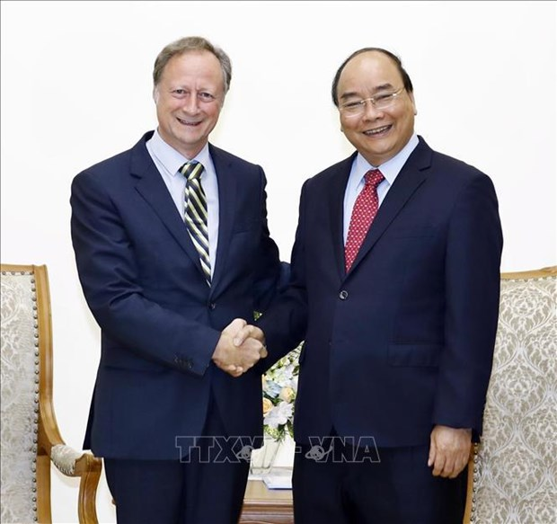 PM hosts outgoing EU delegation head hinh anh 1