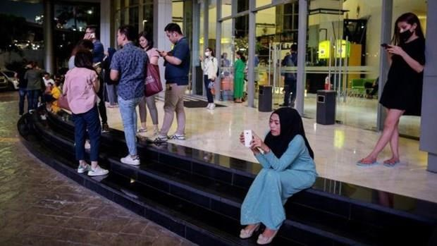 Seven-magnitude earthquake hits Indonesia's Sumatra island hinh anh 1