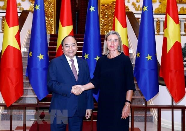 Vietnam wants to further boost relations with EU: PM hinh anh 1