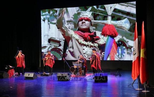 Art show brings Peru closer to Vietnam hinh anh 1