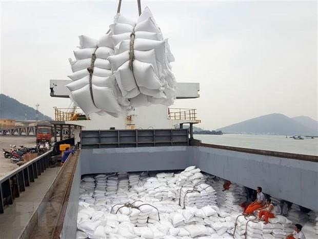 Seven-month rice export up in volume, but down in value hinh anh 1