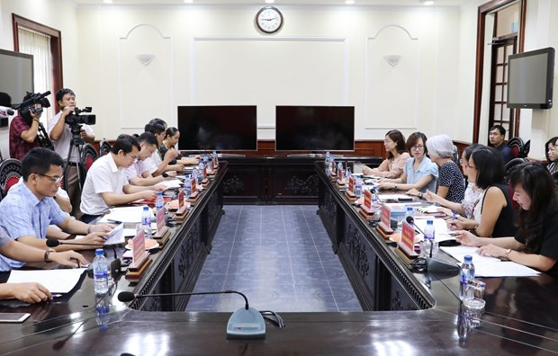 Diplomatic corps learns about consular affairs in Ninh Binh hinh anh 1