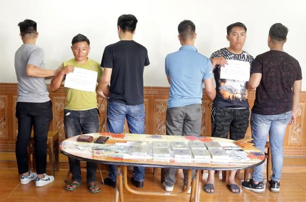 Lao Cai's police arrest two heroin smugglers hinh anh 1