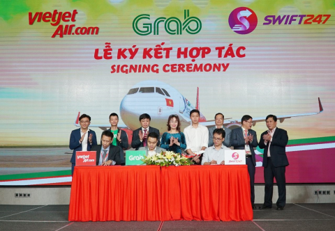 Vietjet teams up with Swift247 and Grab hinh anh 1