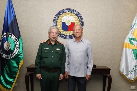 Vietnam, Philippines hold defence policy dialogue hinh anh 1