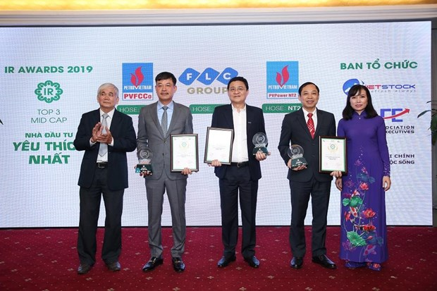 Listed companies with best investor relations for 2019 announced hinh anh 1