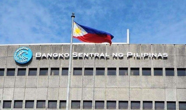 Philippine central bank cuts interest rate as economy slows hinh anh 1