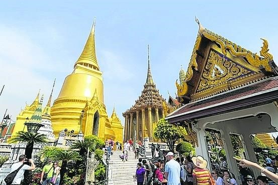 Thailand moves to woo Southeast Asian tourists hinh anh 1