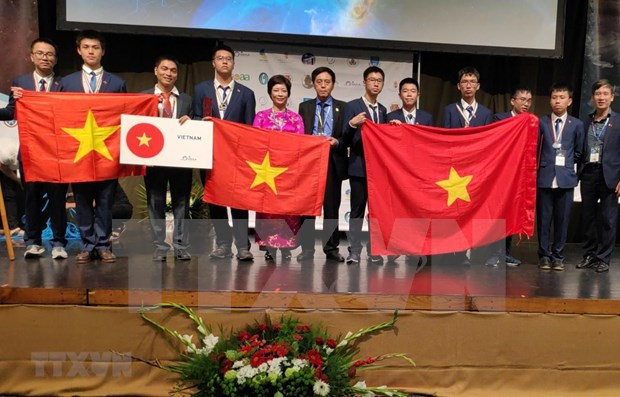 Vietnam claims 7 medals at int'l astronomy-astrophysics olympiad hinh anh 1