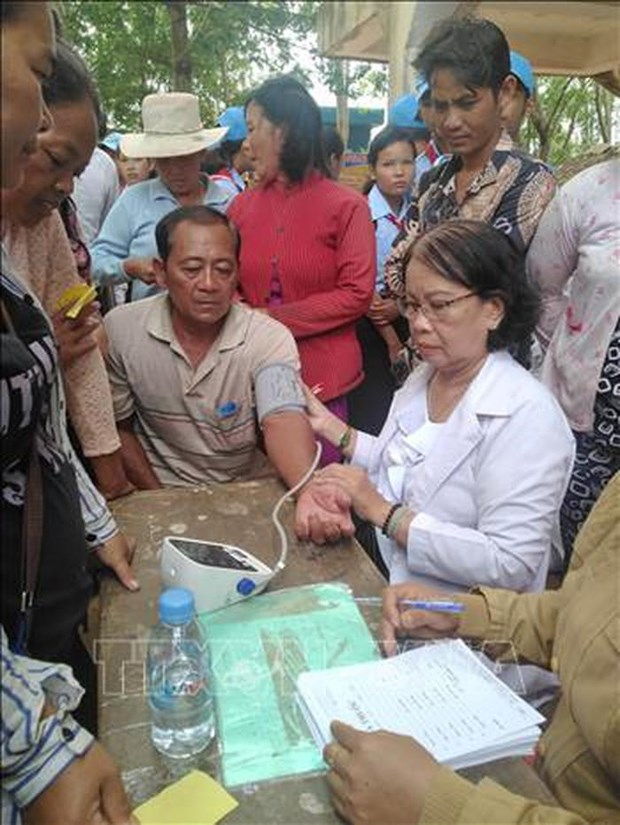 Charity programme benefits Vietnamese-origin Cambodians hinh anh 1