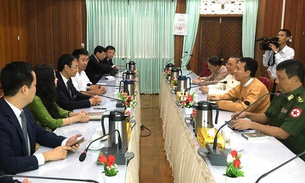 Hanoi delegation pays working visits to Myanmar, Brunei, Indonesia hinh anh 1