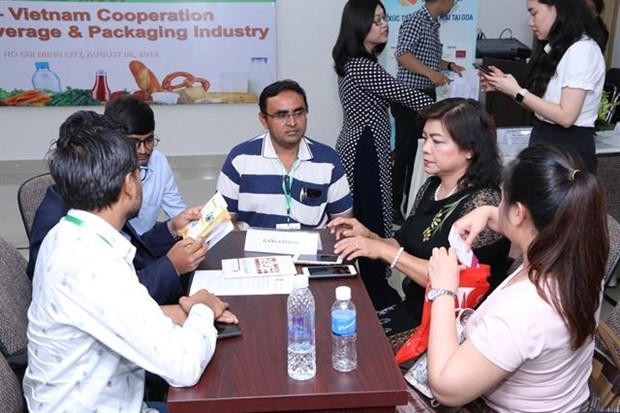 Vietnam's food and beverage sector draws foreign firms' interest hinh anh 1