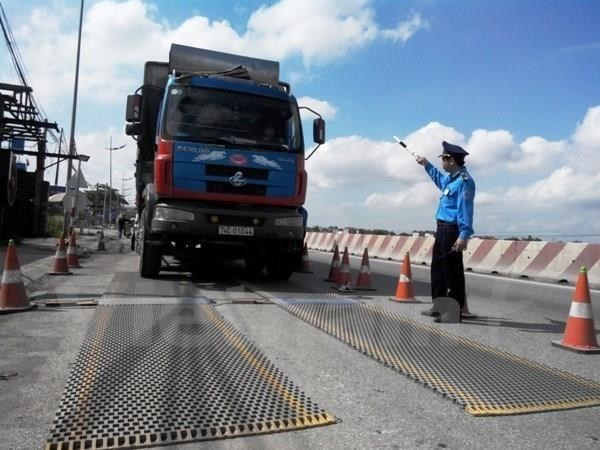 Ministry proposes import tax hike on heavy trucks hinh anh 1