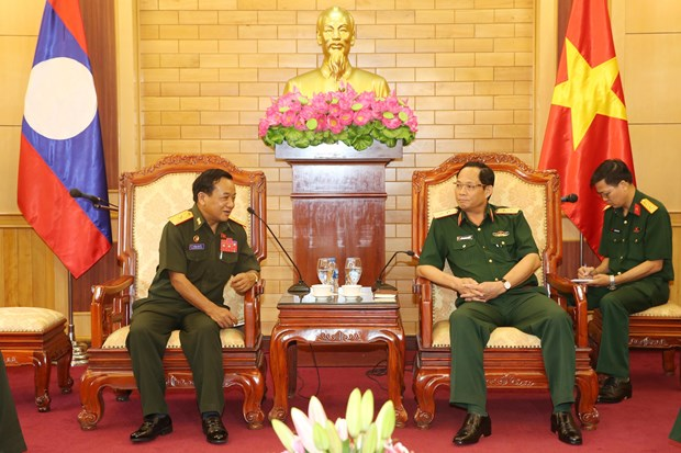 Vietnamese, Lao armies enhance ties in internal political protection hinh anh 1