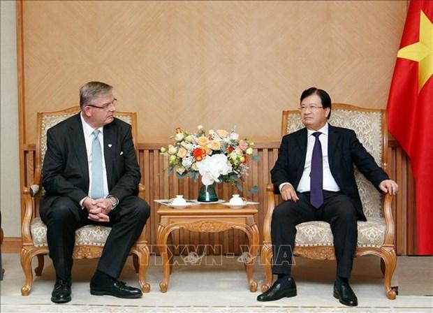 Deputy PM: Vietnam encourages renewable energy development hinh anh 1