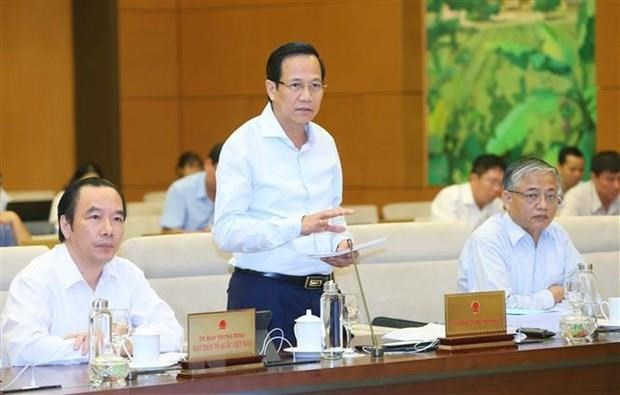 Labour minister clarifies issues regarding Vietnamese guest workers hinh anh 1