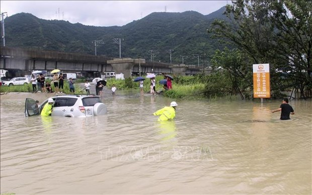 Condolences to China over huge losses caused by Typhoon Lekima hinh anh 1