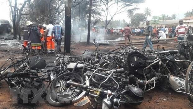 Sympathy to Tanzania over fuel tanker explosion hinh anh 1