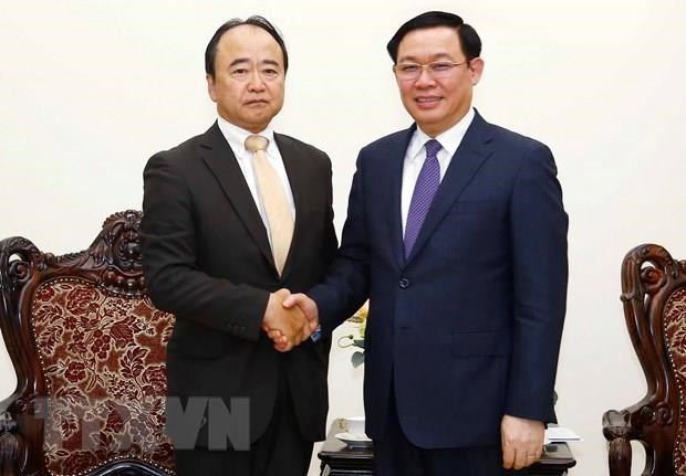 Deputy PM lauds AEON's investment decisions in Vietnam hinh anh 1