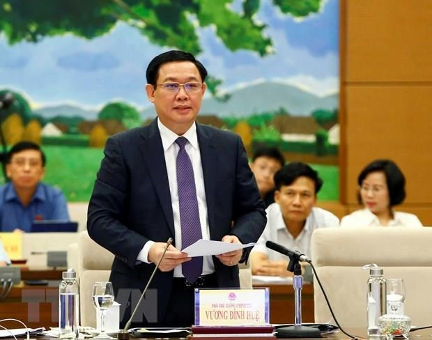 Deputy PM Hue stresses resolve to fight petty corruption hinh anh 1
