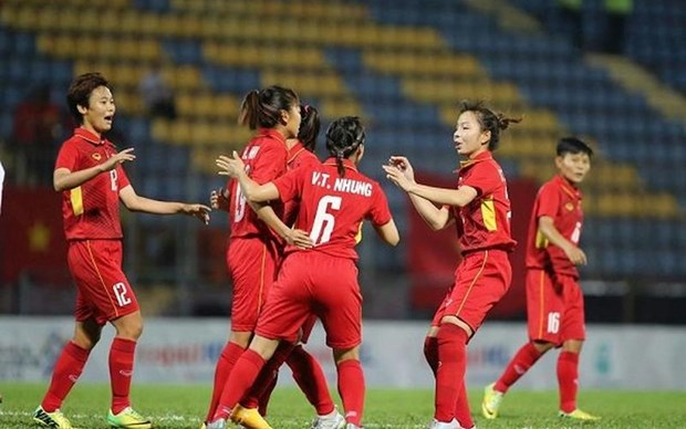 Vietnam trounce Cambodia 10-0 in AFF Women's Championship hinh anh 1