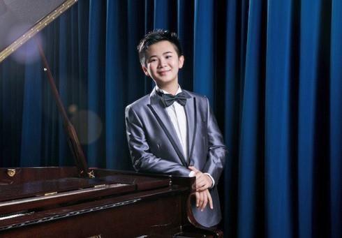13-year-old Hong Kong piano prodigy returns to HCM City hinh anh 1