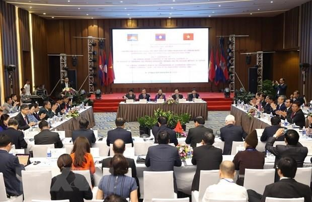 Vietnam, Laos, Cambodia seek to promote Development Triangle efficiency hinh anh 1