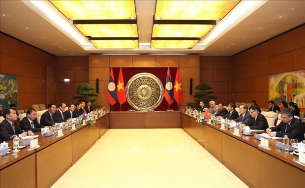 NA Vice Chairman holds talks with Lao counterpart hinh anh 1
