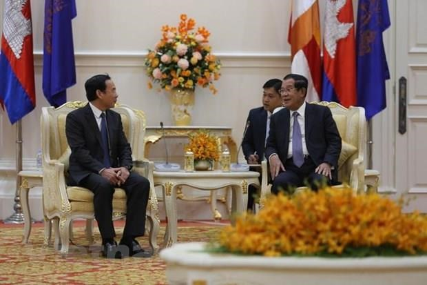 Party official vows close ties with Cambodia hinh anh 1