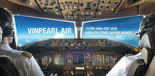 Newest airline recruites 400 student pilots hinh anh 1