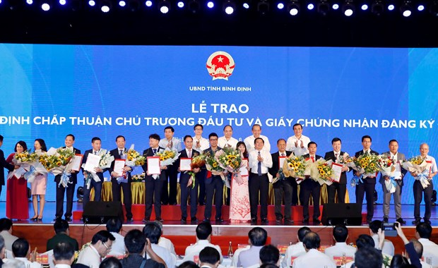 Officials stress connectivity in central region's development hinh anh 1