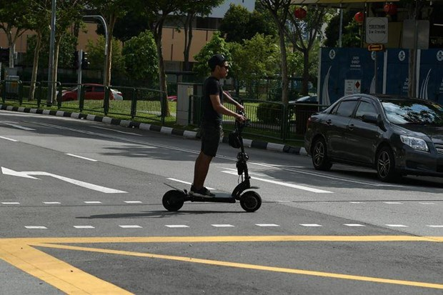 Singapore tightens use of personal mobility devices hinh anh 1