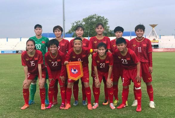 Vietnam top Group B of AFF Women's Championship hinh anh 1