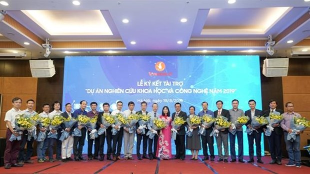 Vingroup to support science and technology projects hinh anh 1