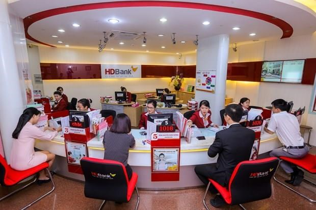 Banks launch recruitment drives to prepare for year-end hinh anh 1