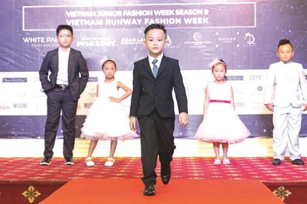HCM City to host two fashion weeks targeting Vietnamese brands hinh anh 1