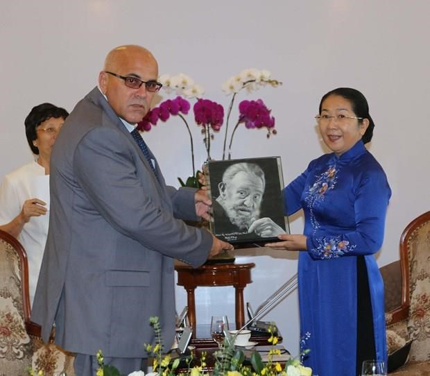 HCM City official receives Cuban guest hinh anh 1