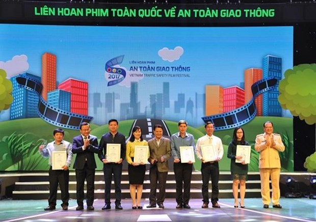 Film making contest held for traffic safety hinh anh 1