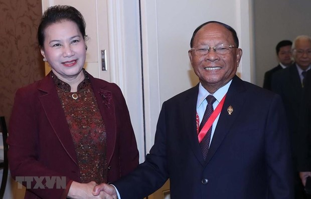 Vietnamese, Cambodian NA leaders meet on sidelines of AIPA 40 hinh anh 1