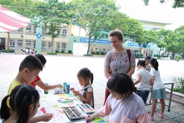 Denmark launches painting contest for students hinh anh 1