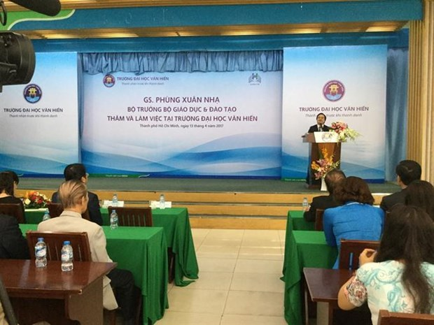 Private universities urged to seek cooperation to improve quality hinh anh 1