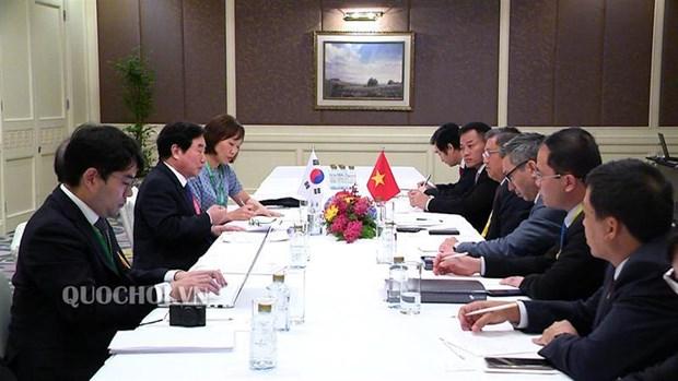 Legislator meets RoK, Lao delegates on AIPA 40 sidelines hinh anh 1