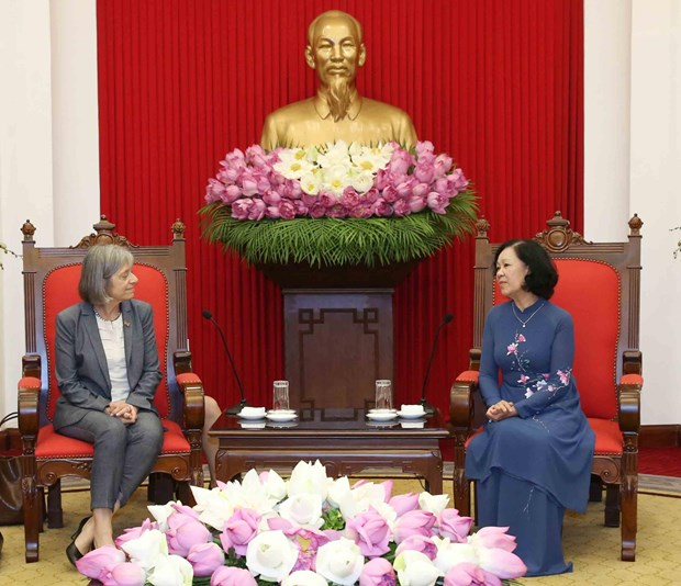 ILO pledges to help Vietnam improve labour, social welfare policies hinh anh 1