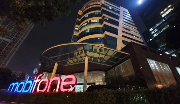Five more Mobifone officials prosecuted on corruption charges hinh anh 1