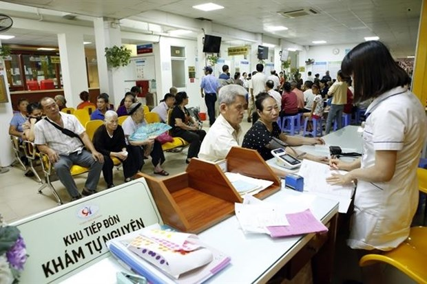 Prices of over 1,900 medical services increase slightly hinh anh 1