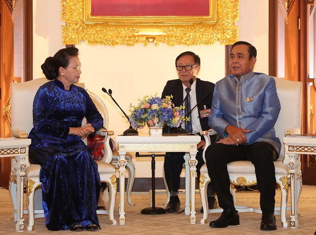 Vietnam's top legislator meets with Thai Prime Minister hinh anh 1