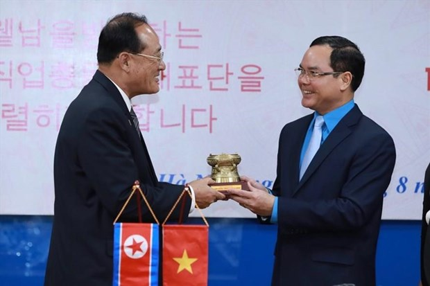 Vietnamese, DPRK trade unions boost collaboration hinh anh 1